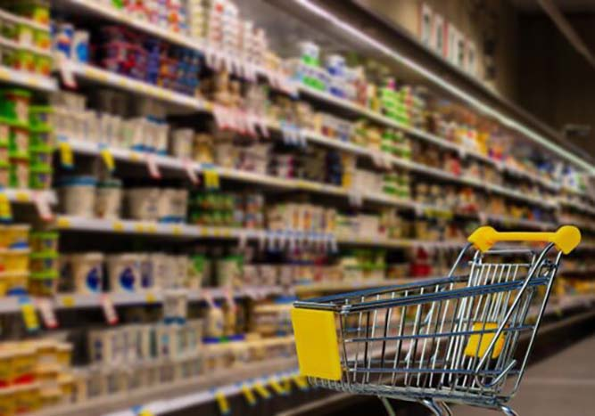 Care este programul de functionare al magazinelor din judetul Iasi in acest weekend