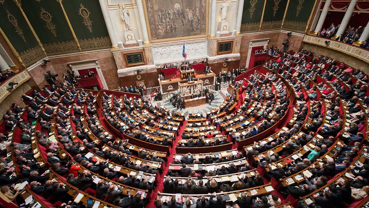 Parlamentarii francezi au RESPINS introducerea certificatului de vaccinare