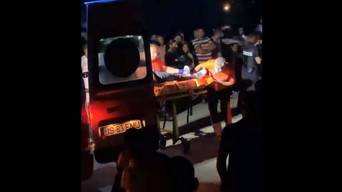 Accident grav noaptea trecuta in comuna Voinesti! Soferul este in stare grava dupa ce a fost proiectat prin parbriz