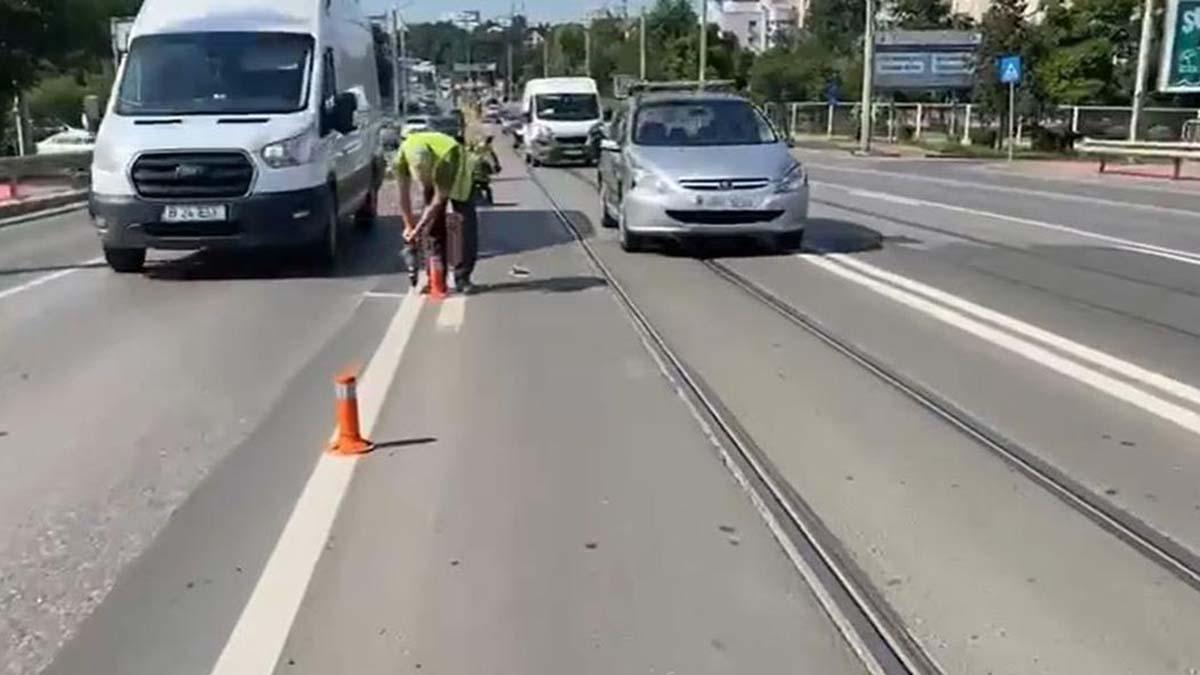 Au inceput lucrarile de amenajare a benzii unice pentru mijloacele de transport pe soseaua si strada Nicolina