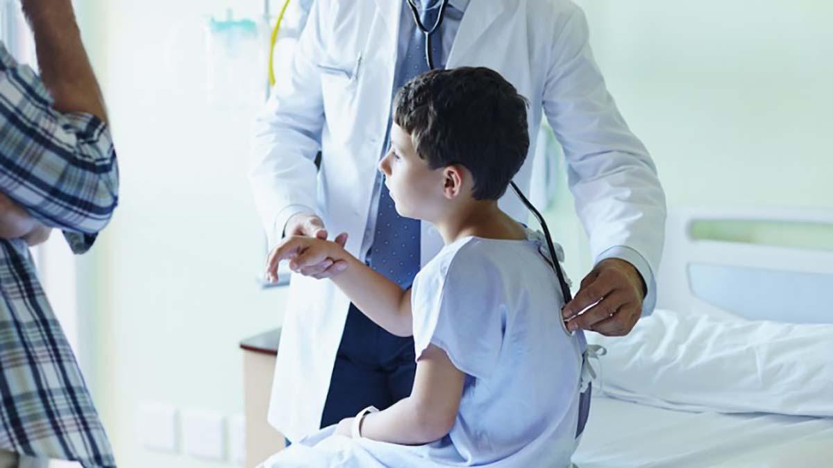 Semnal de alarmă pentru părinți! Un sindrom greu de diagnosticat poate aparea la copii care au fost infectati