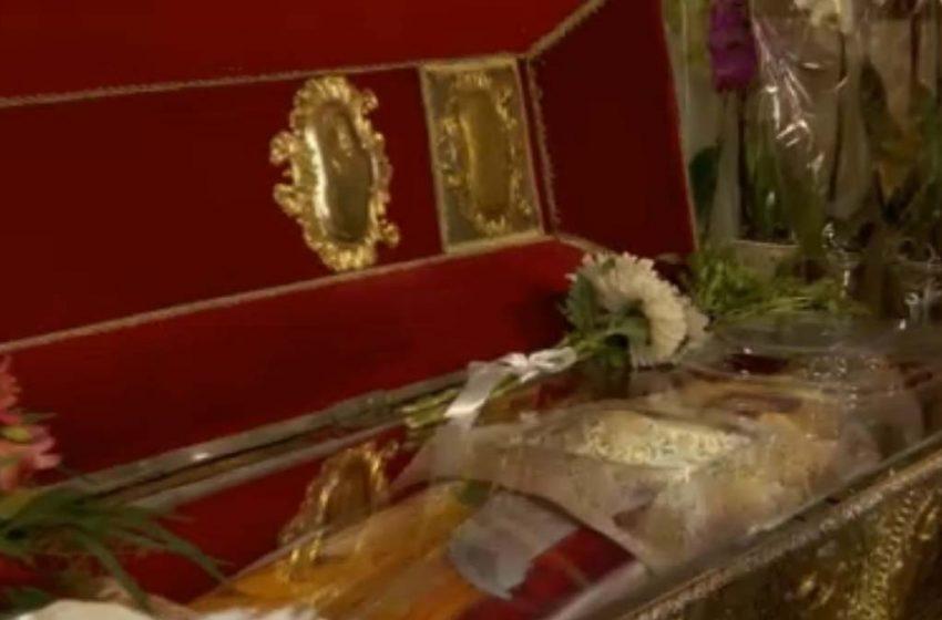 Povestea blestemului care păzește de 380 de ani Moaștele Cuvioasei Parascheva