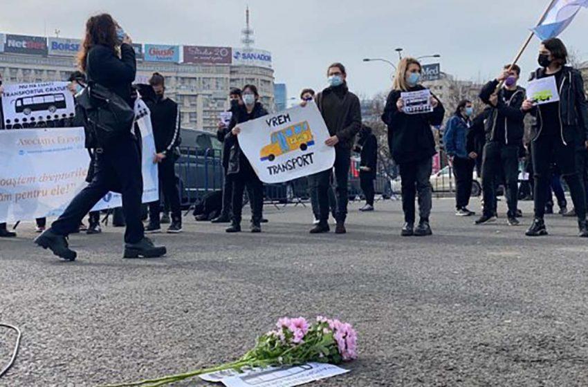 Elevii anunta  ca vor protesta astazi in Piața Victoriei