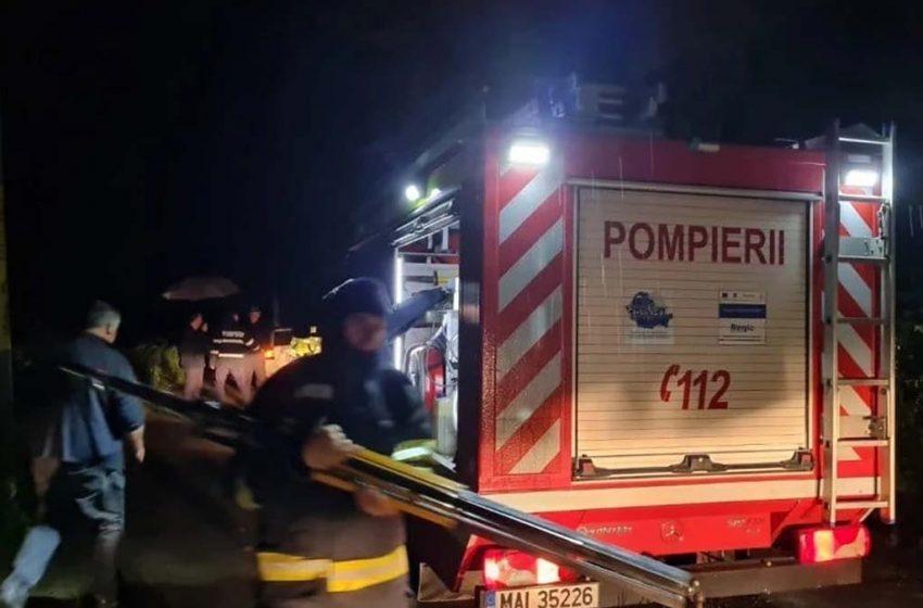 O persoană a murit, iar alte zeci au fost evacuate in urma unui incendiu violent