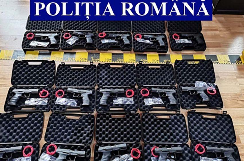 61 de arme descoperite in urma unor perchezitii efectuate la Iasi, Neamț, București, Constanța și Ilfov